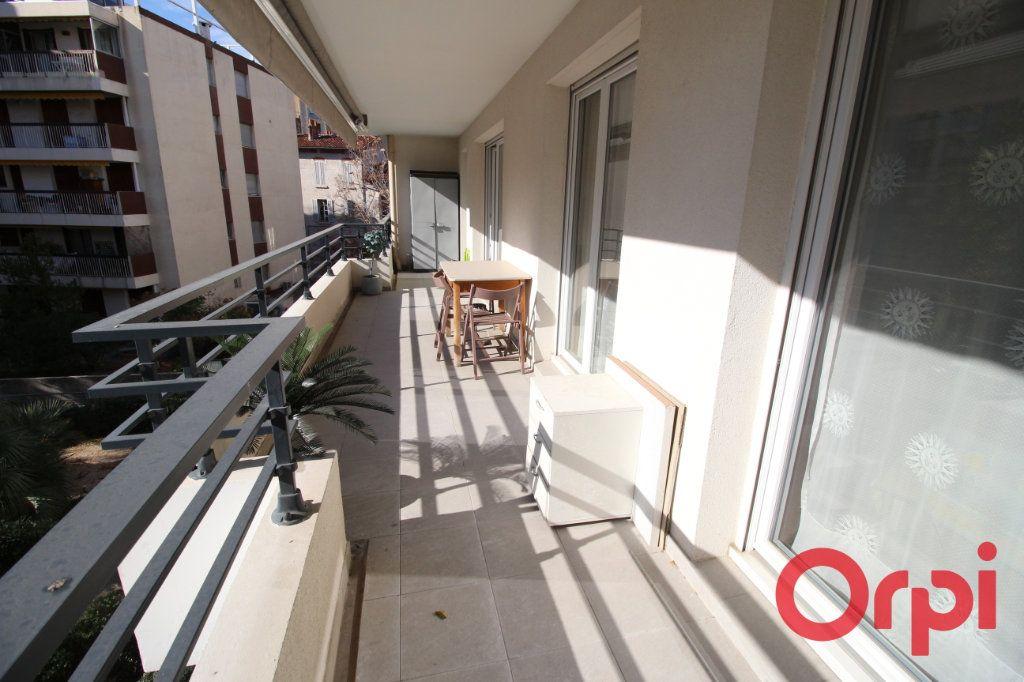 Appartement à vendre 3 63m2 à Marseille 8 vignette-5