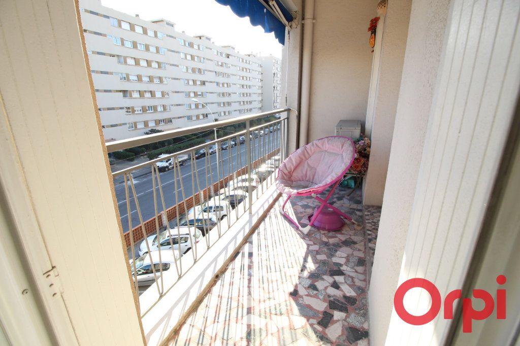 Appartement à louer 3 55m2 à Marseille 9 vignette-1
