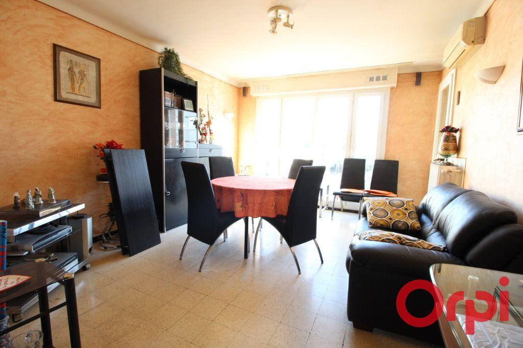 Appartement à louer 3 55m2 à Marseille 9 vignette-2