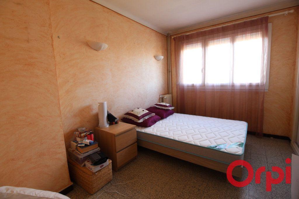 Appartement à louer 3 55m2 à Marseille 9 vignette-4