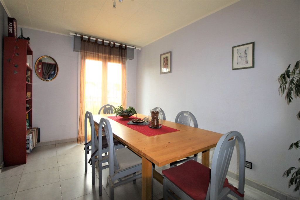 Appartement à vendre 4 91.78m2 à Marseille 9 vignette-3