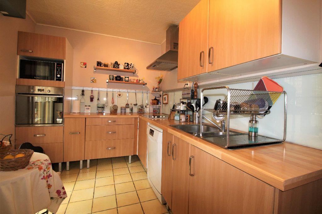 Appartement à vendre 4 91.78m2 à Marseille 9 vignette-4