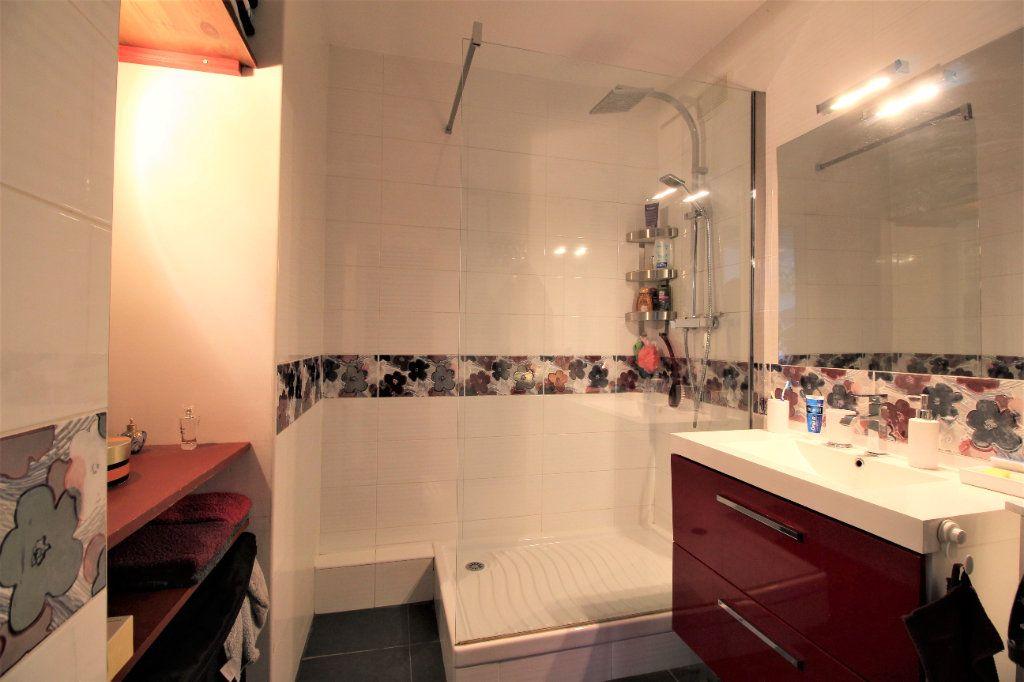 Appartement à vendre 4 91.78m2 à Marseille 9 vignette-7