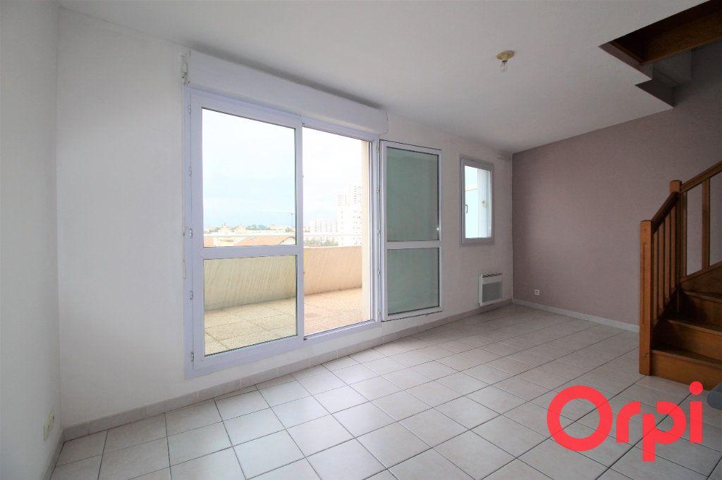 Appartement à vendre 2 39m2 à Marseille 10 vignette-2