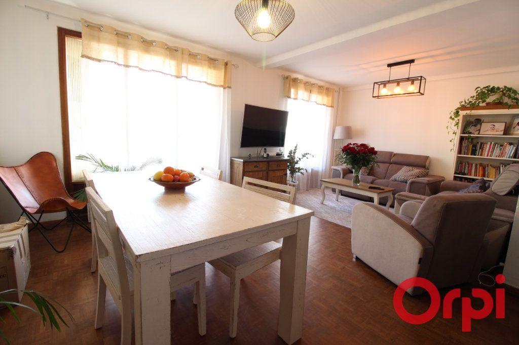Appartement à vendre 4 71m2 à Marseille 10 vignette-1