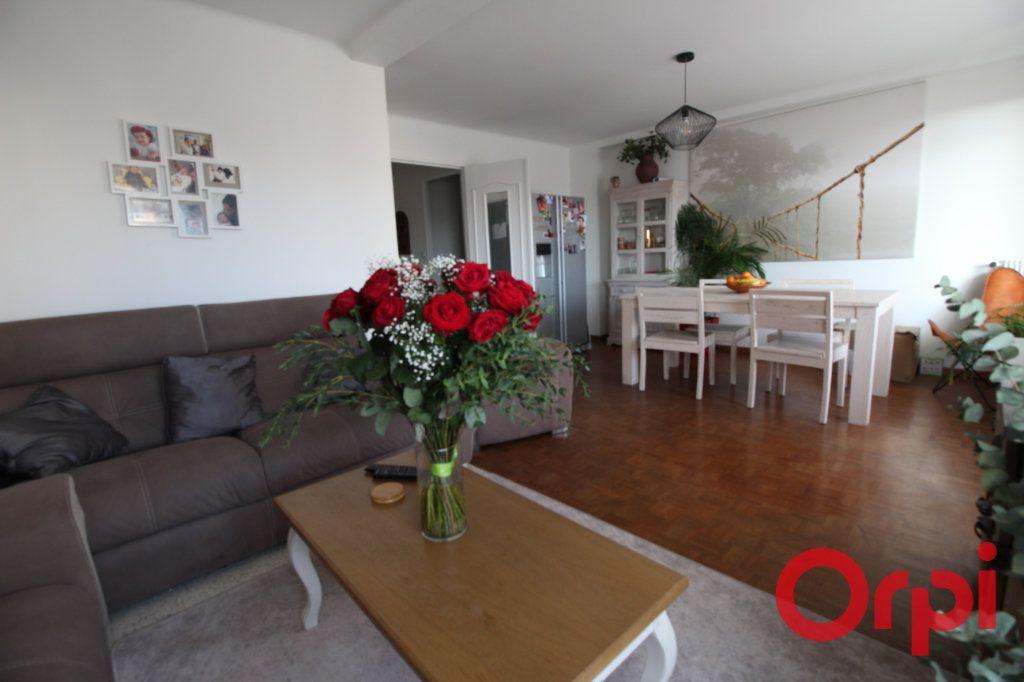 Appartement à vendre 4 71m2 à Marseille 10 vignette-2