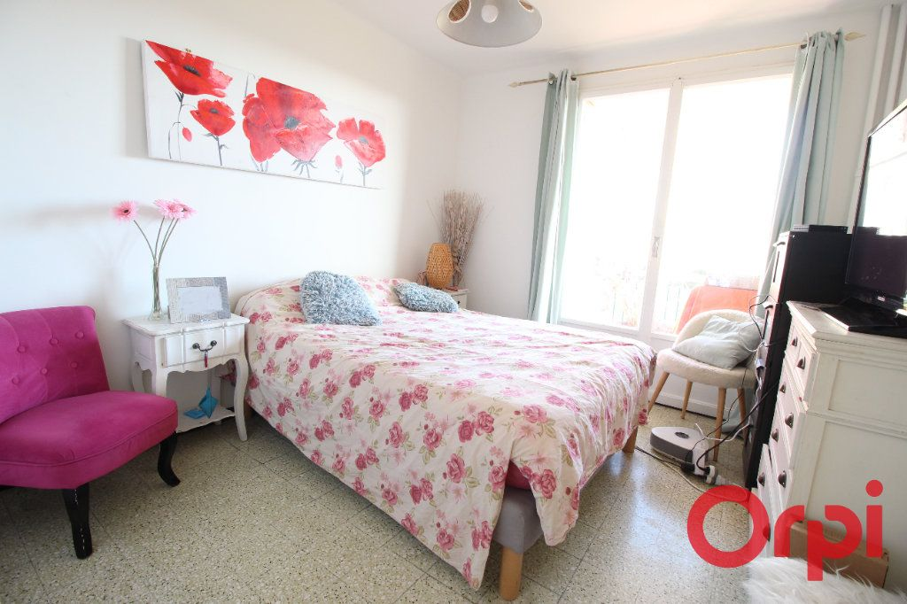 Appartement à vendre 4 71m2 à Marseille 10 vignette-3