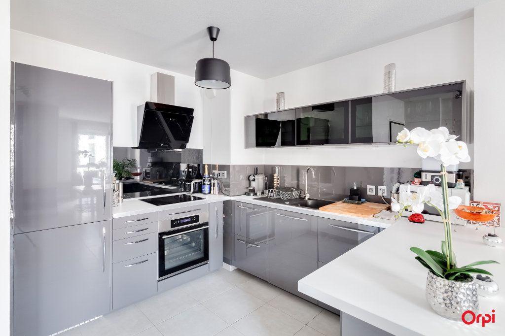 Appartement à vendre 2 57m2 à Marseille 10 vignette-2