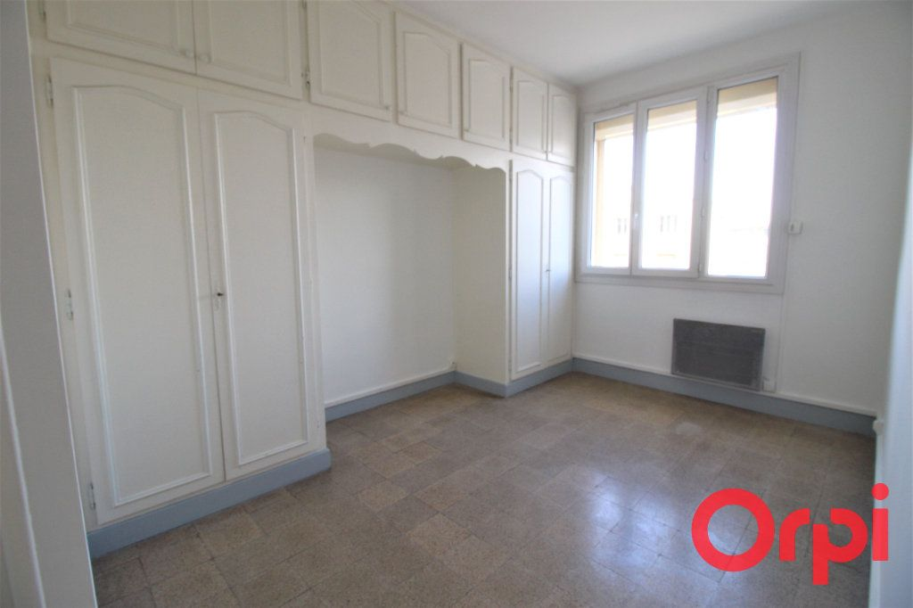 Appartement à vendre 3 58m2 à Marseille 9 vignette-3
