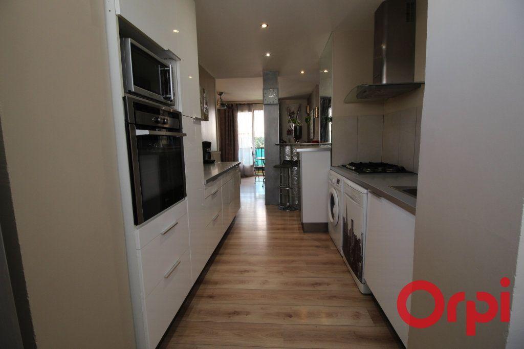 Appartement à vendre 4 70m2 à Aix-en-Provence vignette-2