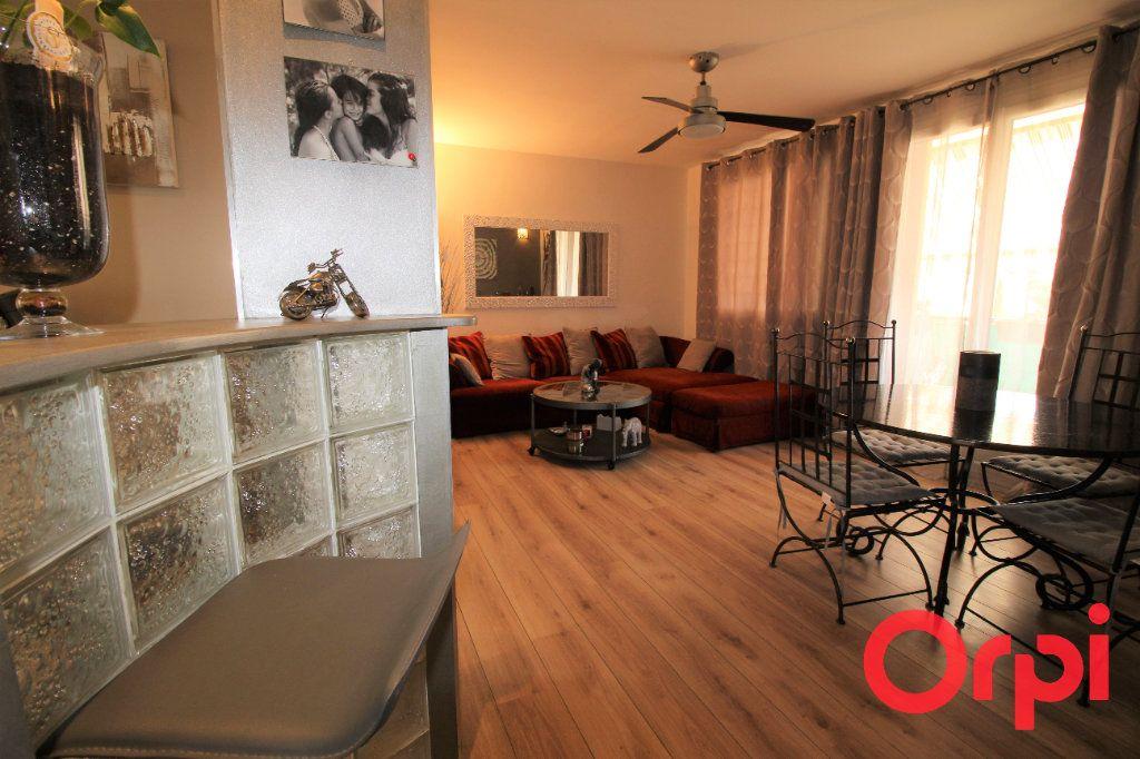 Appartement à vendre 4 70m2 à Aix-en-Provence vignette-3