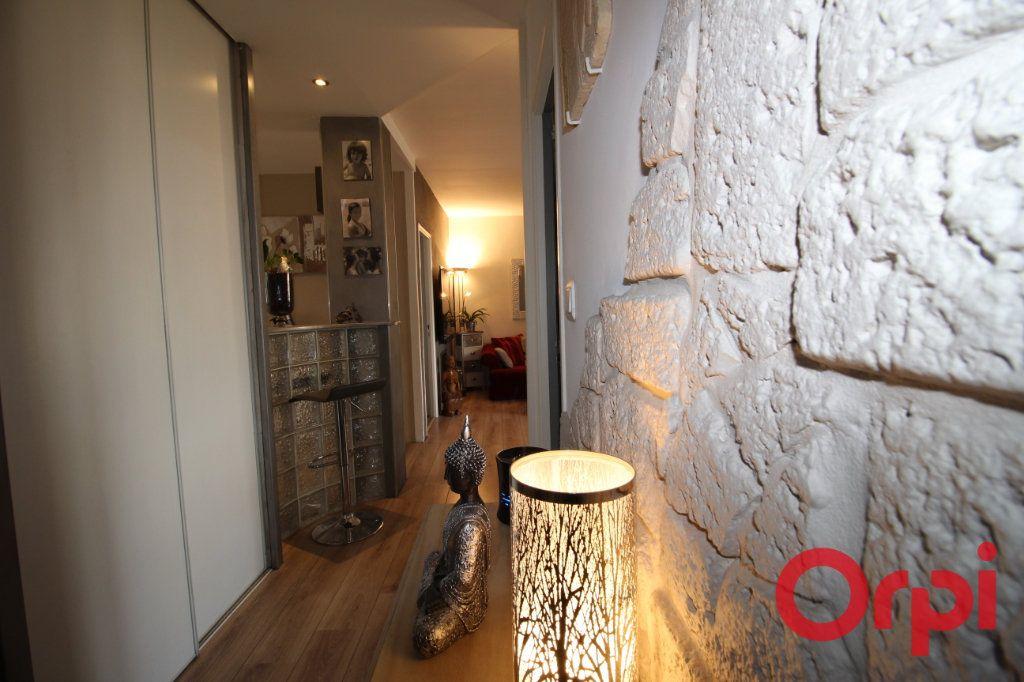 Appartement à vendre 4 70m2 à Aix-en-Provence vignette-5