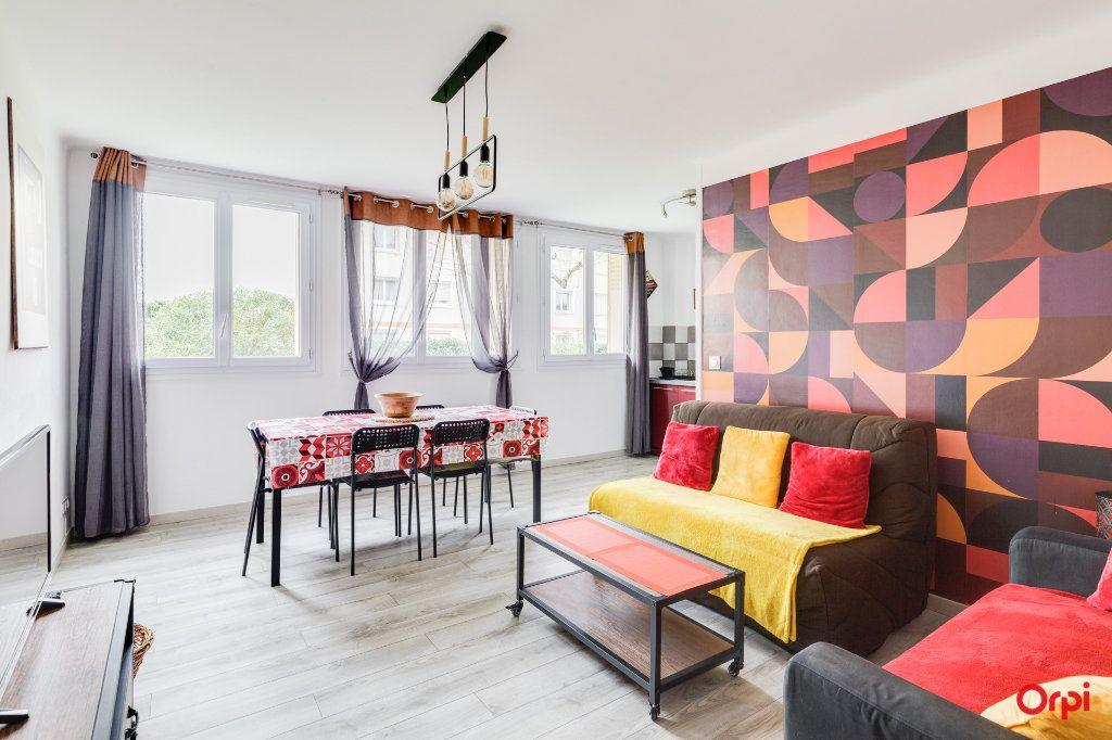 Appartement à vendre 3 54m2 à Marseille 8 vignette-1