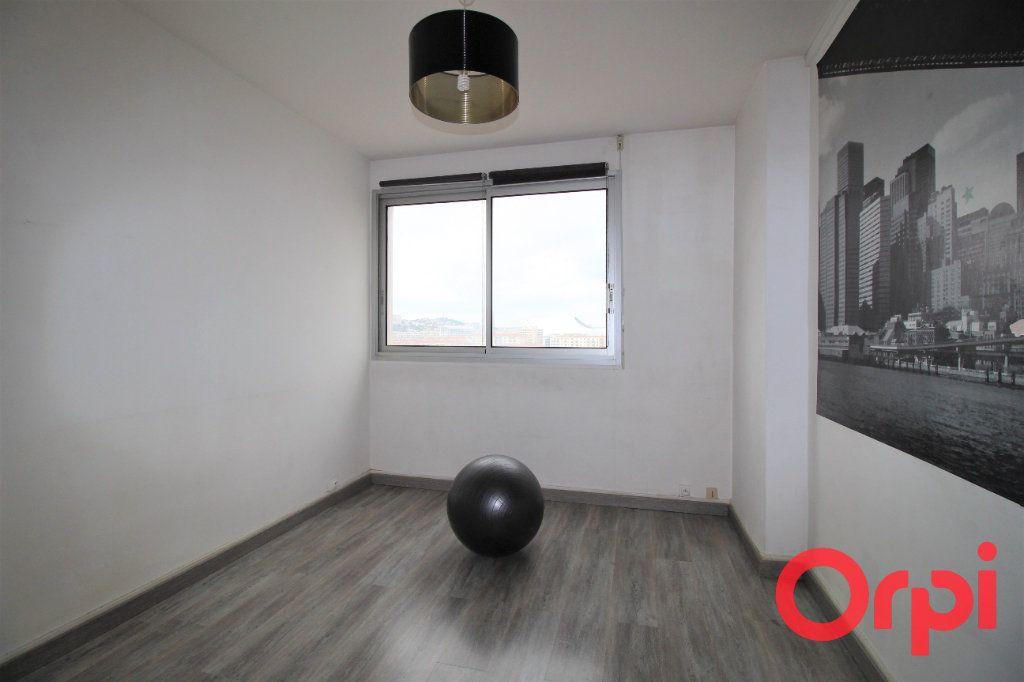 Appartement à vendre 4 66m2 à Marseille 9 vignette-3