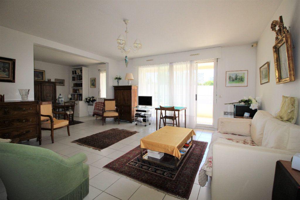 Appartement à vendre 4 82m2 à Marseille 9 vignette-2