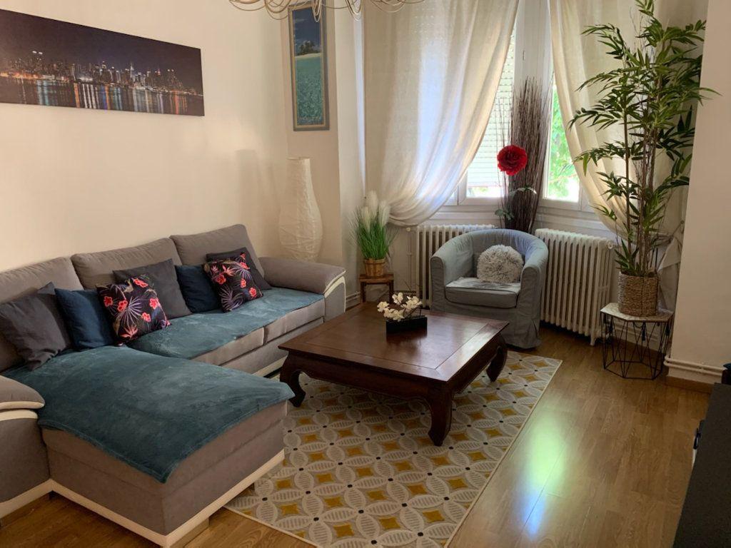 Appartement à louer 4 86m2 à Marseille 9 vignette-1