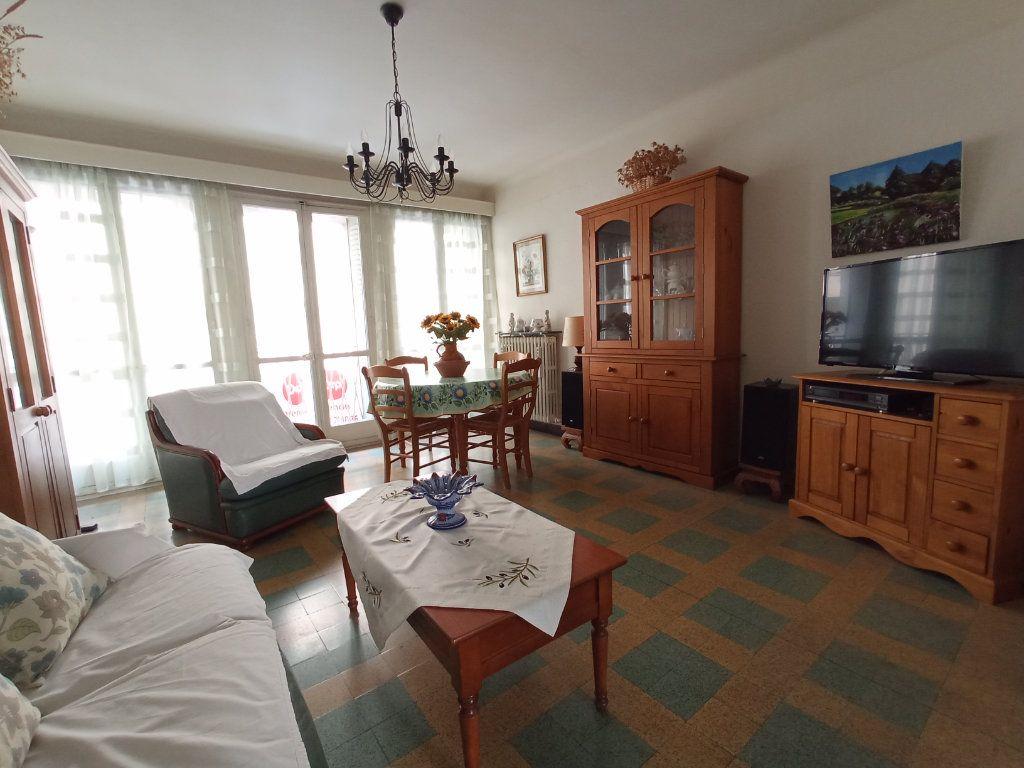 Appartement à vendre 4 76m2 à Marseille 4 vignette-1