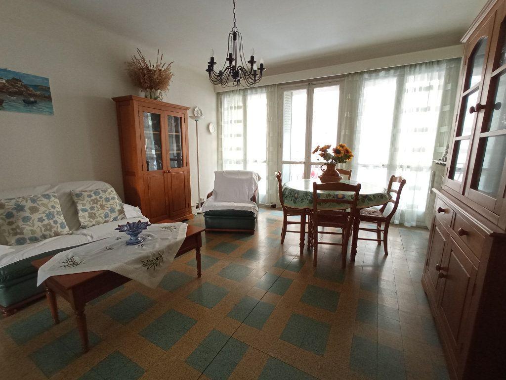 Appartement à vendre 4 76m2 à Marseille 4 vignette-2