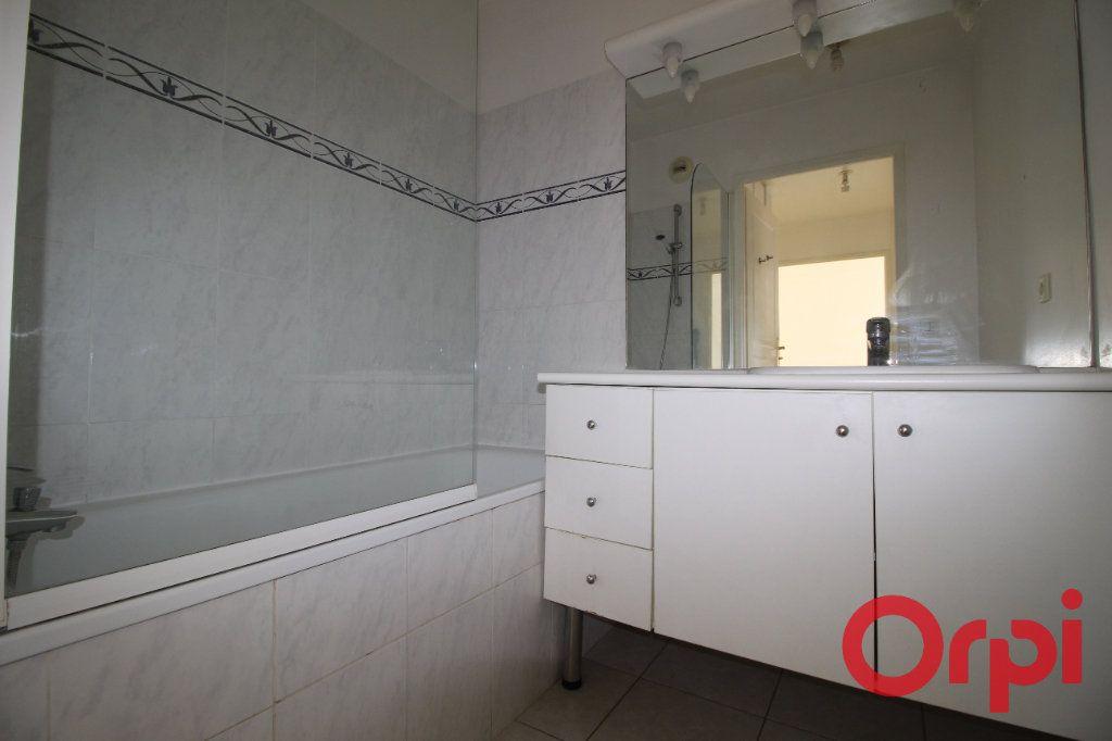 Appartement à vendre 2 42m2 à Clermont-Ferrand vignette-4
