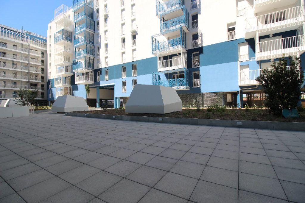 Appartement à vendre 4 82m2 à Marseille 8 vignette-1