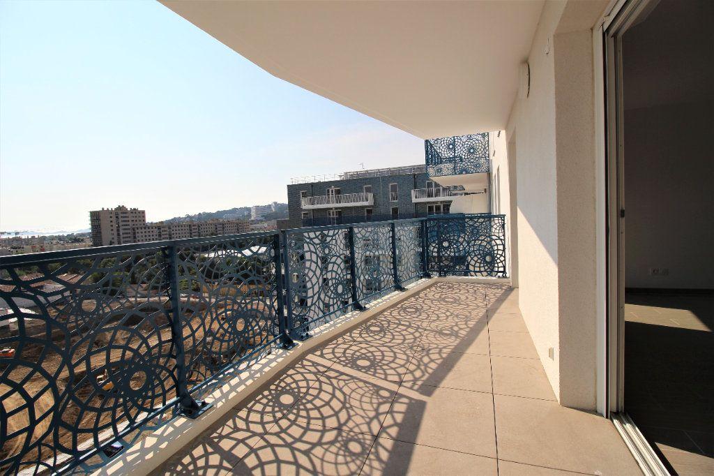 Appartement à vendre 4 82m2 à Marseille 8 vignette-2