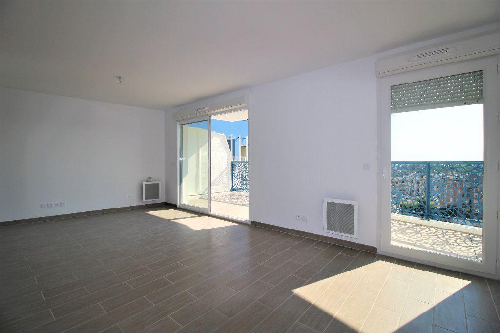 Appartement à vendre 4 82m2 à Marseille 8 vignette-4