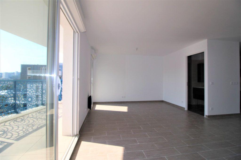 Appartement à vendre 4 82m2 à Marseille 8 vignette-5