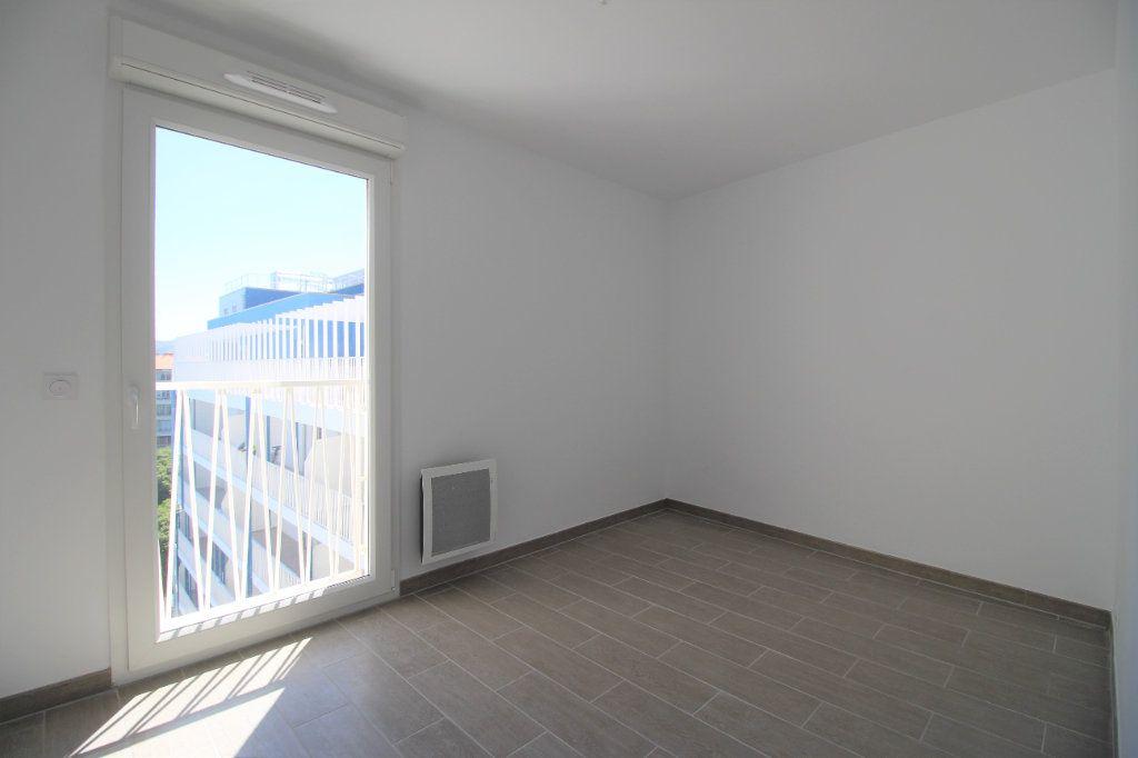 Appartement à vendre 4 82m2 à Marseille 8 vignette-8