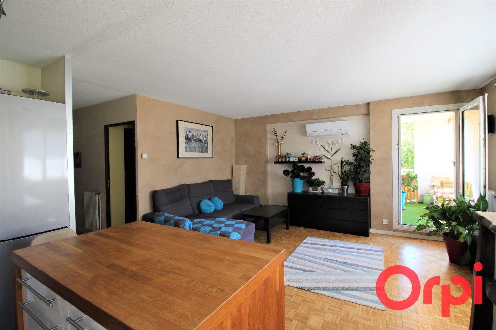 Appartement à vendre 3 70m2 à Marseille 9 vignette-2