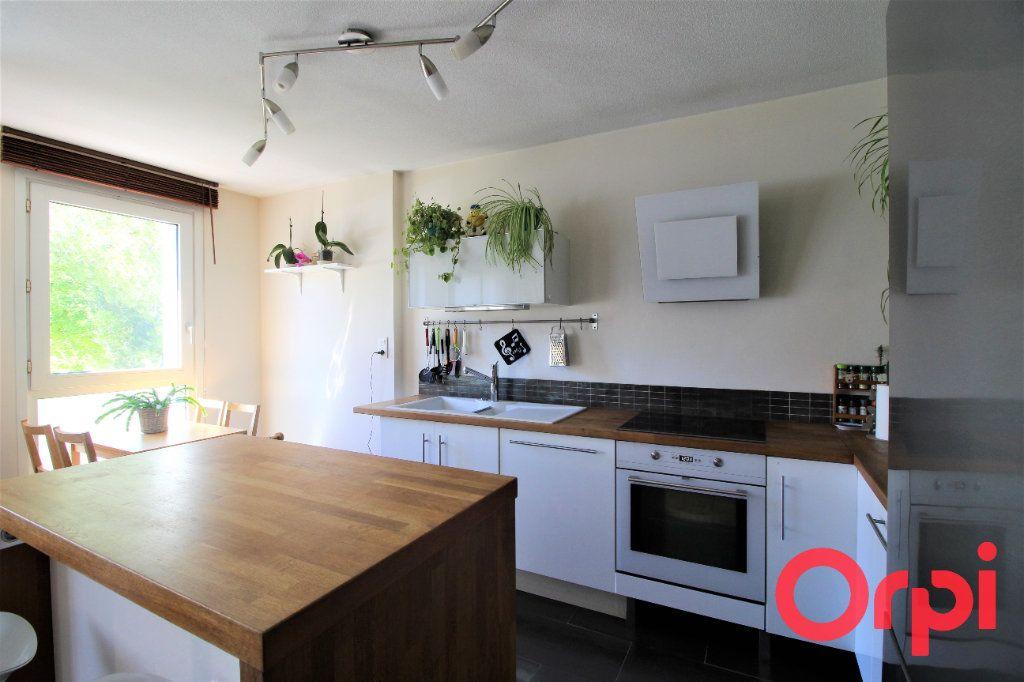 Appartement à vendre 3 70m2 à Marseille 9 vignette-3