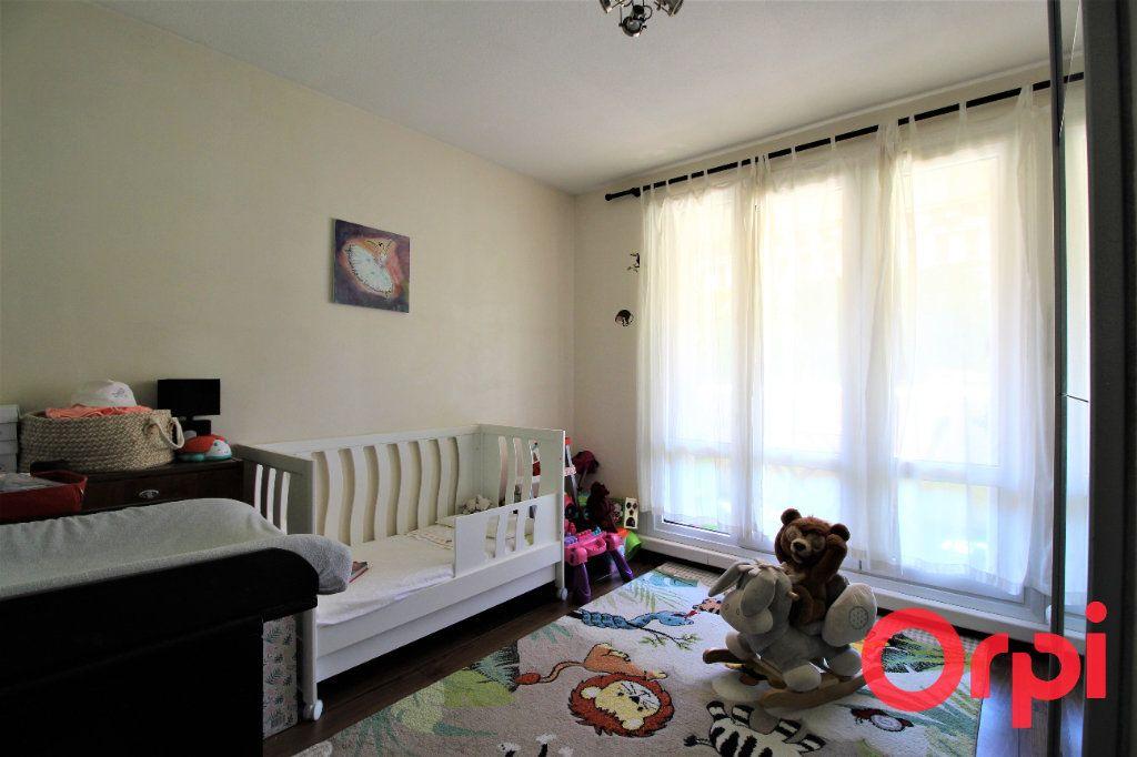 Appartement à vendre 3 70m2 à Marseille 9 vignette-6