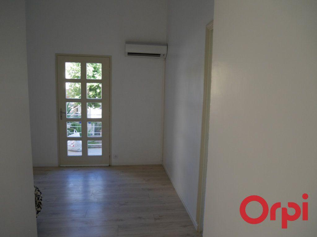Appartement à louer 4 90m2 à Marseille 9 vignette-1