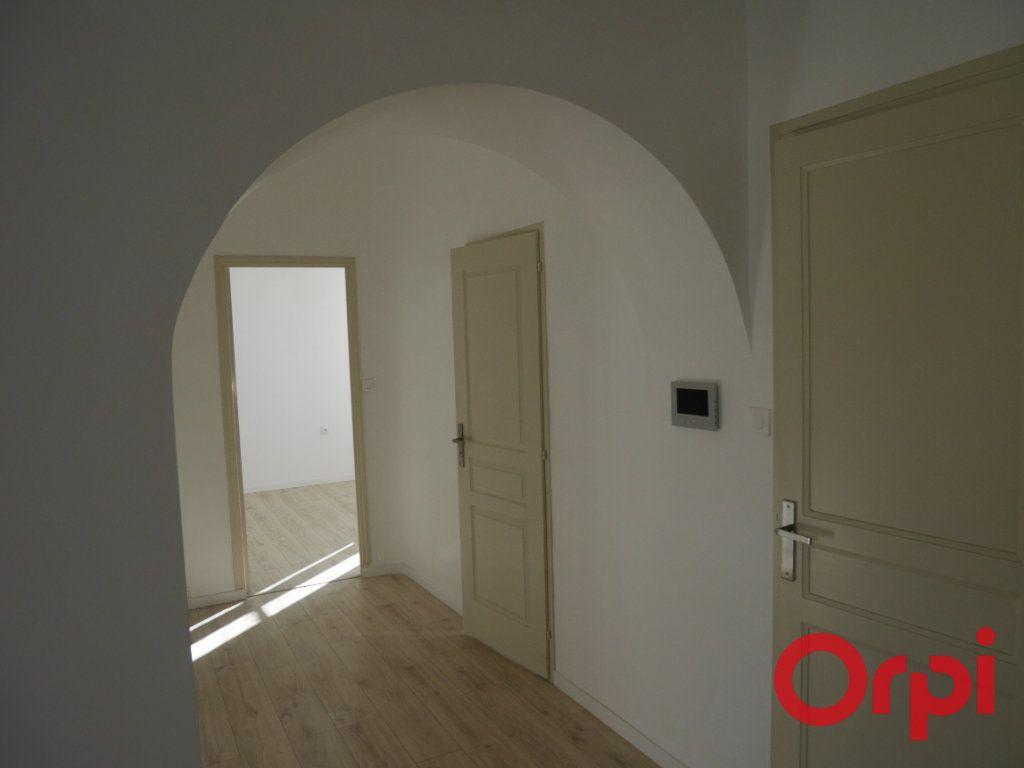 Appartement à louer 4 90m2 à Marseille 9 vignette-2