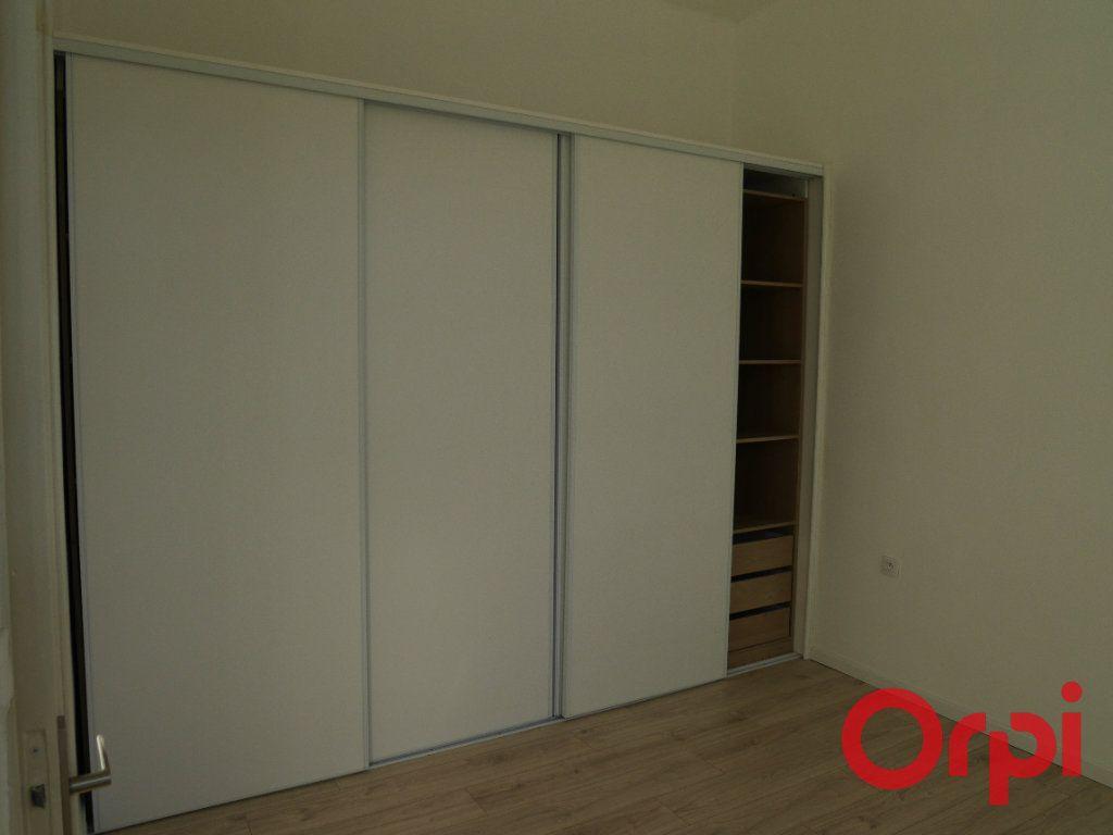 Appartement à louer 4 90m2 à Marseille 9 vignette-6
