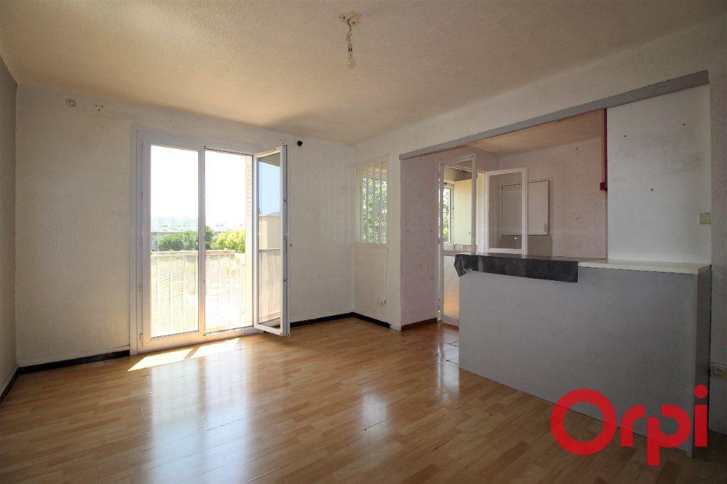 Appartement à vendre 3 53m2 à Marseille 9 vignette-2