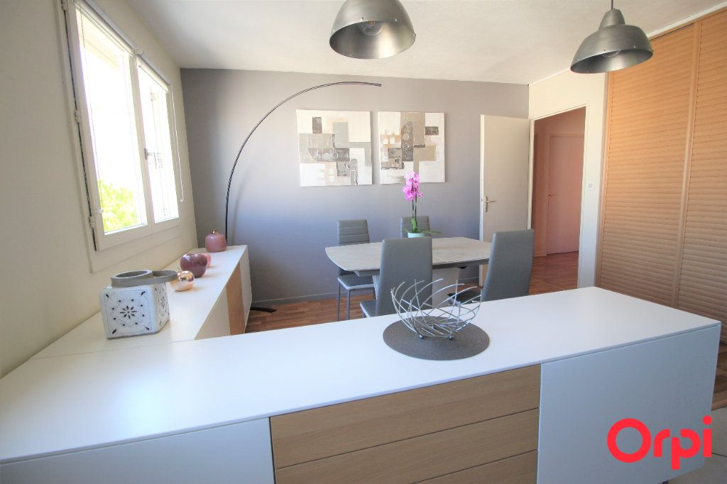 Appartement à vendre 4 78m2 à Marseille 9 vignette-2