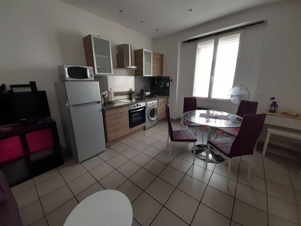 Appartement à louer 2 30m2 à Marseille 5 vignette-2