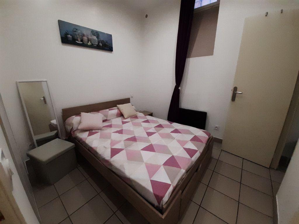 Appartement à louer 2 30m2 à Marseille 5 vignette-3
