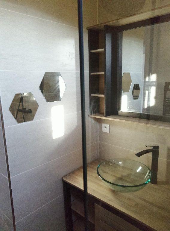Appartement à louer 3 53m2 à Marseille 9 vignette-6