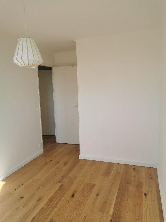 Appartement à louer 3 63m2 à Marseille 9 vignette-3