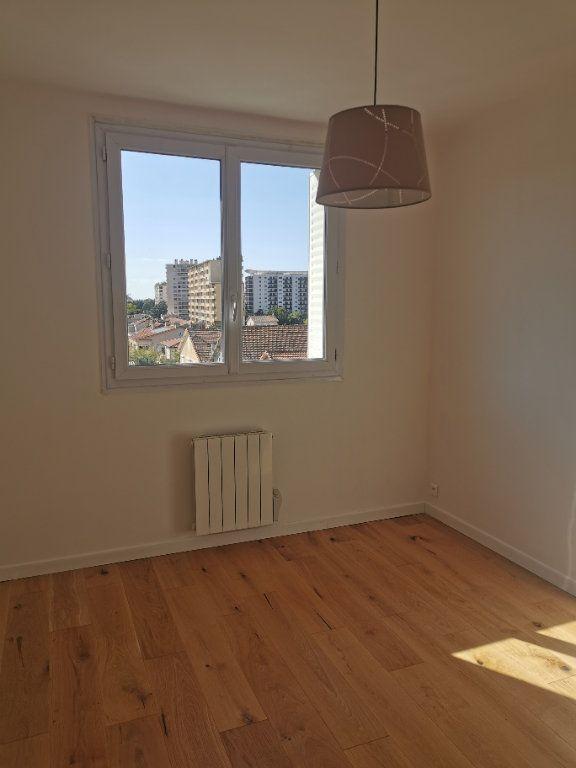 Appartement à louer 3 63m2 à Marseille 9 vignette-4