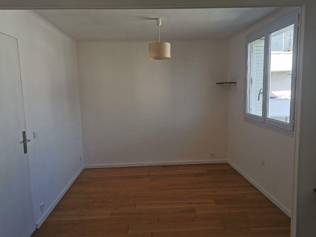 Appartement à louer 3 63m2 à Marseille 9 vignette-6