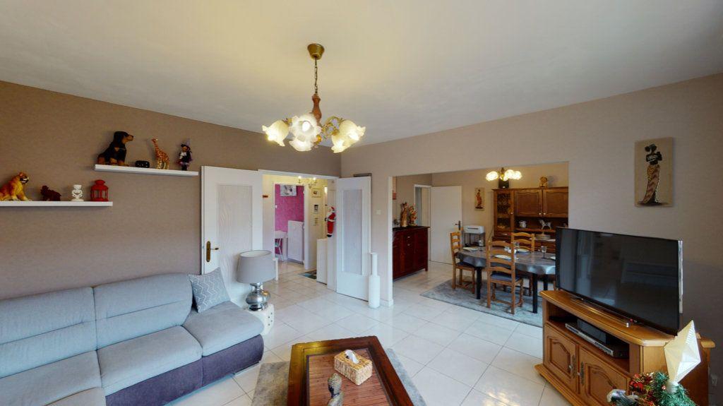 Appartement à vendre 4 80m2 à Hoenheim vignette-1