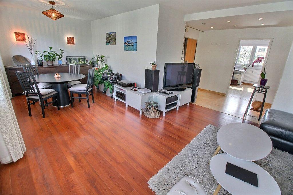 Appartement à vendre 4 80.16m2 à Bischheim vignette-1