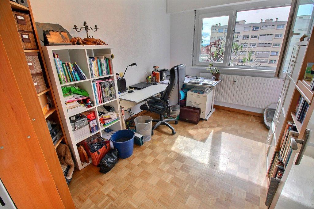 Appartement à vendre 4 80.16m2 à Bischheim vignette-7