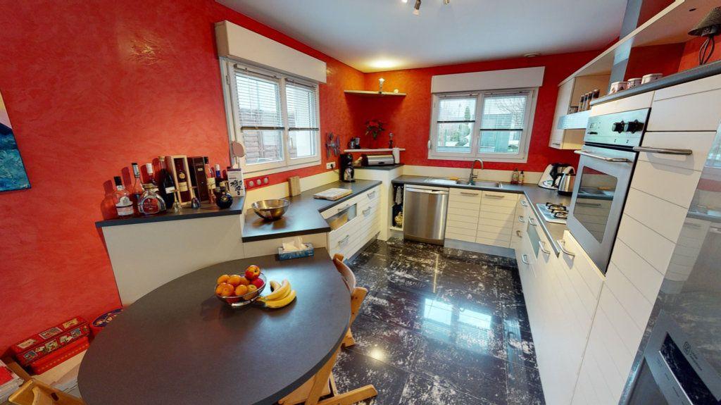 Maison à vendre 5 200m2 à Brumath vignette-6