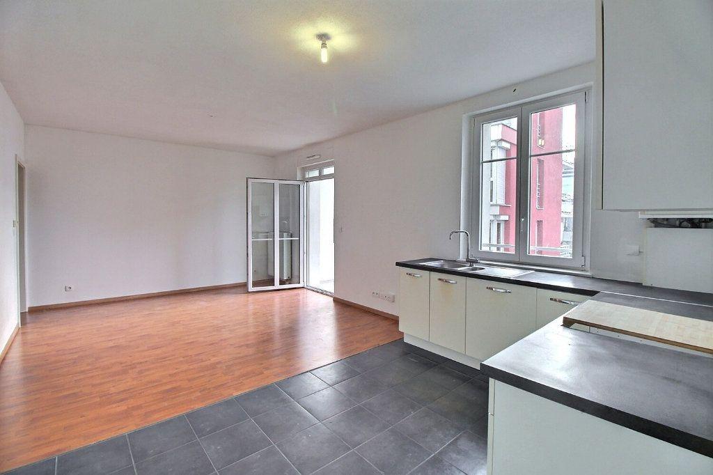 Appartement à vendre 3 71.32m2 à Lingolsheim vignette-3