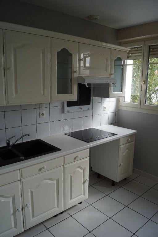 Appartement à louer 3 90m2 à Chaumont vignette-3