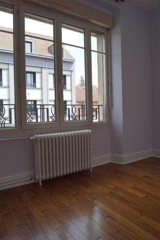 Appartement à louer 3 90m2 à Chaumont vignette-4