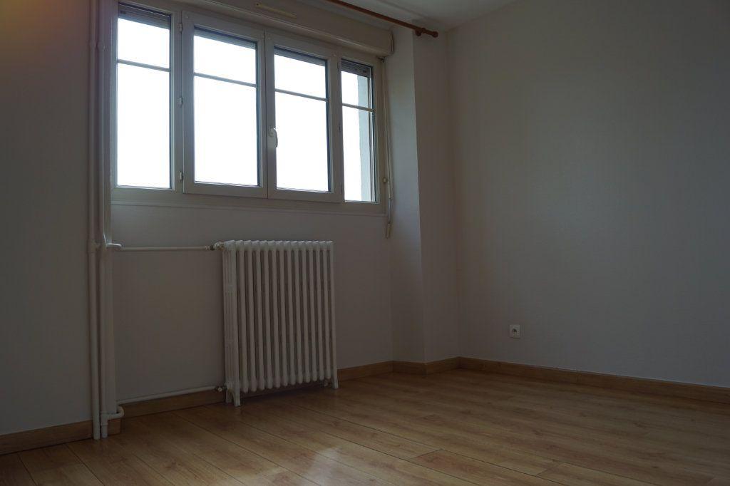 Appartement à louer 3 90m2 à Chaumont vignette-7